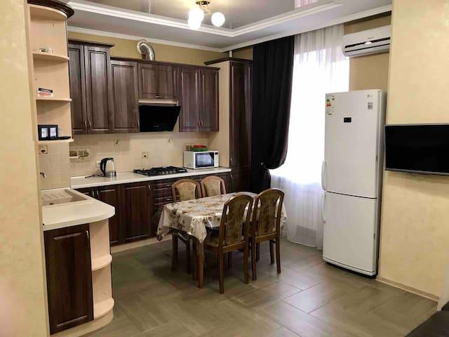 В центре курортной зоны уютная квартира