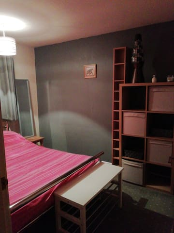 Double room close to Bramall Lane and city centre