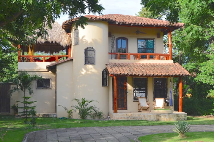 2BR/2B Cozy Private house Guasacate - Las Palmeras
