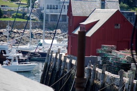 Charming Apt in Ctr of Rockport-Walk to Beach-WiFi - ロックポート