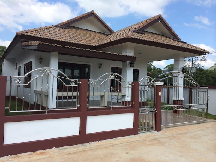 Brandnew Villa with double terrace