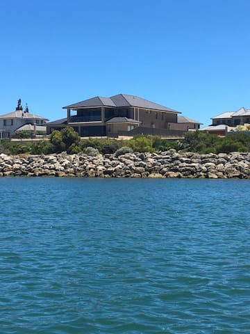 Mansion by the sea - Wannanup - บ้าน