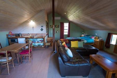 Sunflower Studio Loft - Dunsborough
