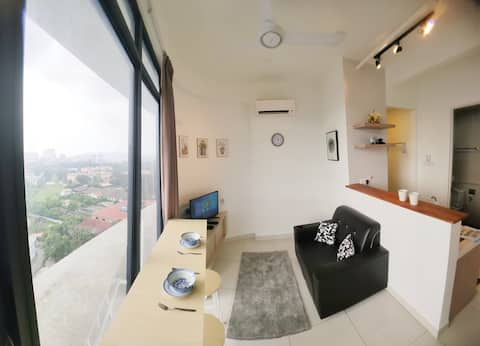 Relaxing 2BR Condo Near USM and SPICE
