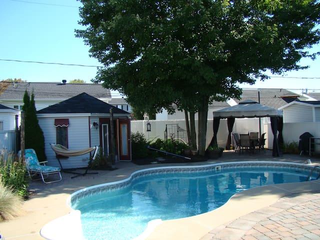 Maison ensoleillée avec piscine et SPA - Trois-Rivières
