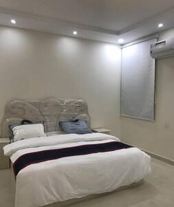 شقة جديدة في أبها - مقابل الراشد مول