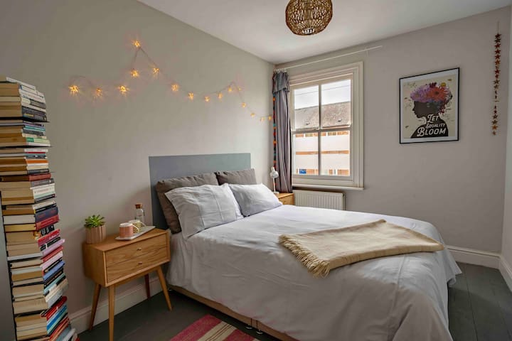 Gorgeous double bedroom in heart of Oxford