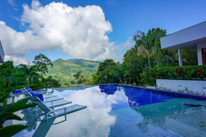 Private, Large & Exclusive Villa in la Vega!!