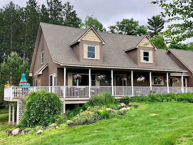 True North Farm- Entire House Sleeps 12-16