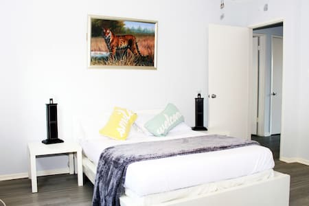 WALK OF FAME -  Luxury Location with Private Bath - Los Angeles - Appartement