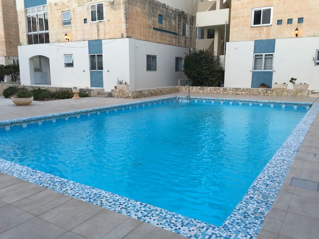 Apartment in the heart of Qawra - San Pawl il-Baħar - Departamento
