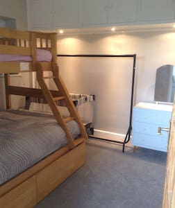Double room, triple bunk, sleeps 4 - Casa