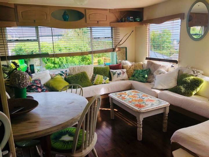 Sunny Family Caravan
