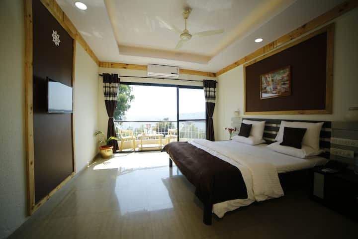 Deluxe Double Room With Mountain View A.C.