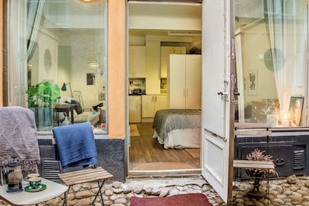 Location! Cutest Studio Apartment in the Old Town