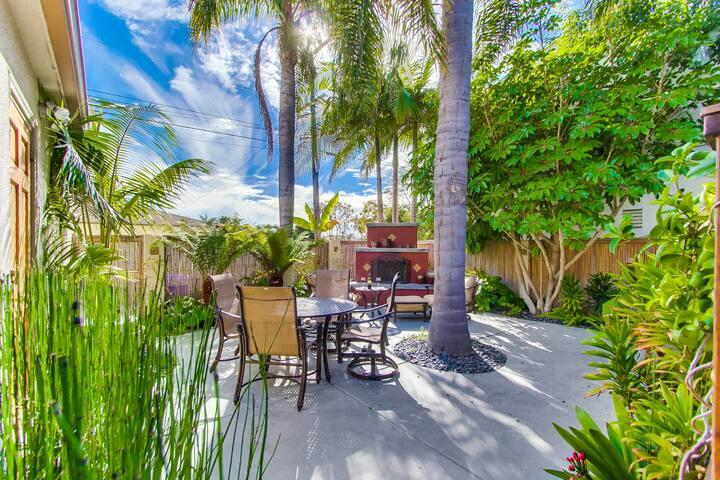 Kyrstin's Beach House with FIreplace.