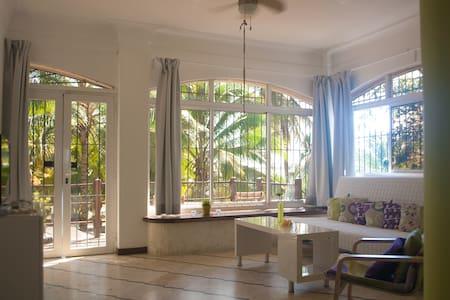 Villa Almendra 202 - Modern beachfront apartment