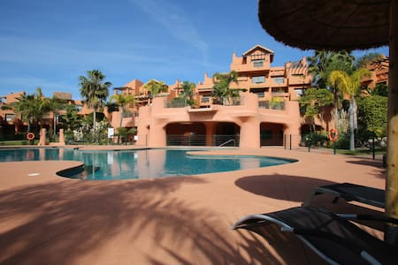 PENTHOUSE ON THE NEW GOLDEN MILE - Estepona