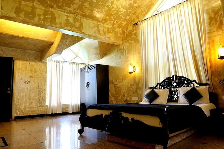 Rajmahal - Deluxe Room 1