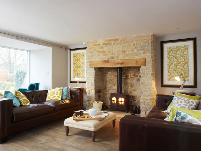 Mulberry Cottage, a luxury retreat by the coast