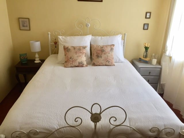 Room with comfy Queen bed close to the city! - Syndey  - Lägenhet
