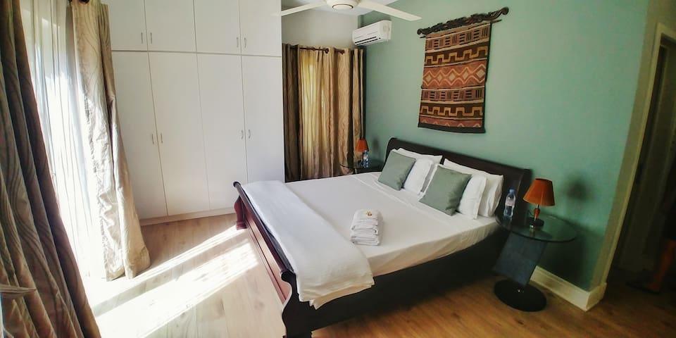 Bedroom 1 - Le Cheval