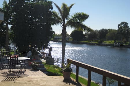 Beautiful Canal View / 3 bdrm Home - North Port - House