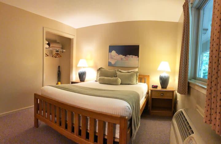 1 Bedroom 0.8 miles from Attitash Ski Area