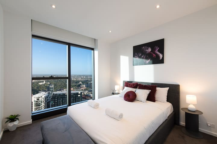 Exclusive LUXURY Southbank 2BR/2BTH FREE Wifi