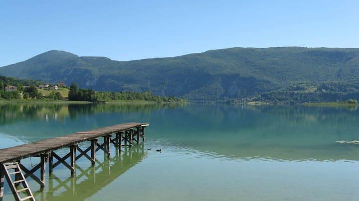 Maison à 500 mètres des plages du Lac Aiguebelette