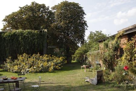 Hollerhof - Urwüchsiges Paradies -  Kreativurlaub