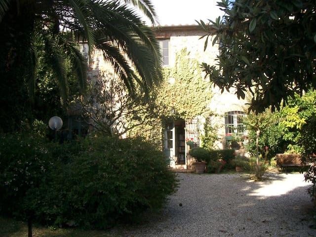 Il Borgo del Sole  B&B - Compignano - Bed & Breakfast