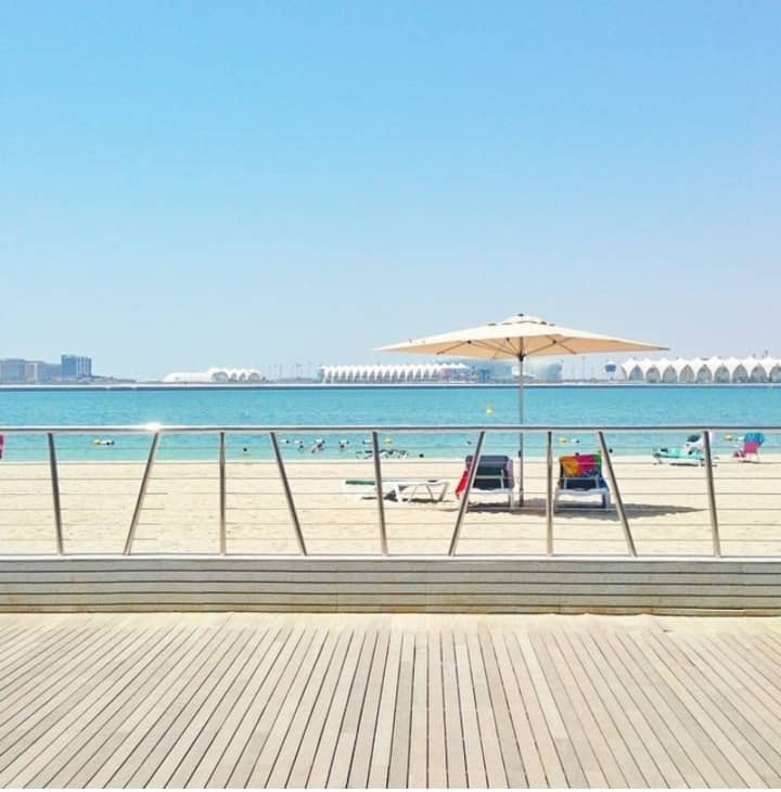 1 Bedroom apartment with pool, private beach,gym