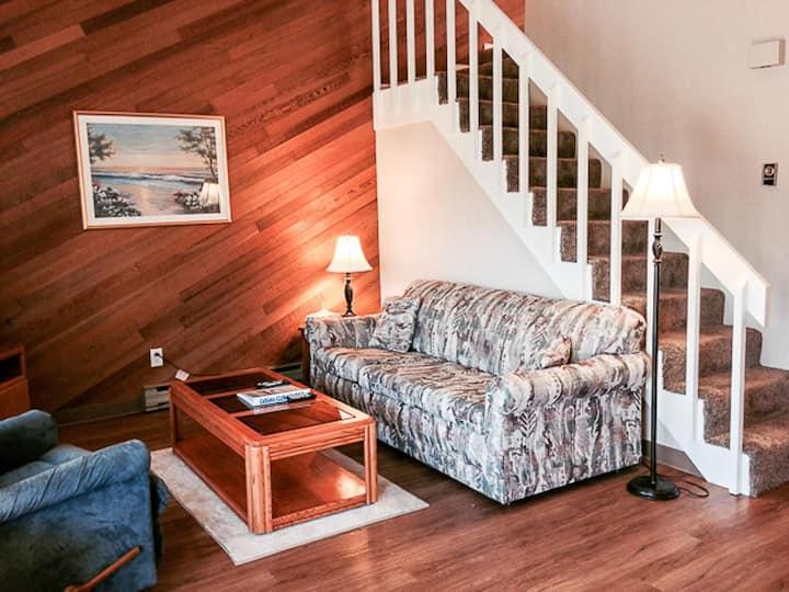 Cabana Club 202 - 1 Bedroom w/Loft Condo