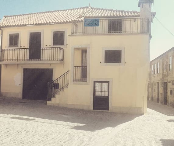 house for rent in winemaking village in the Douro - Provesende - บ้าน