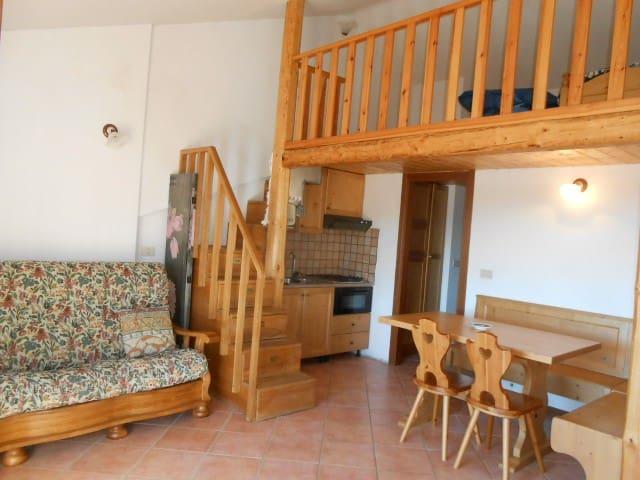 Appartamento con giardino a Rocca di Cambio