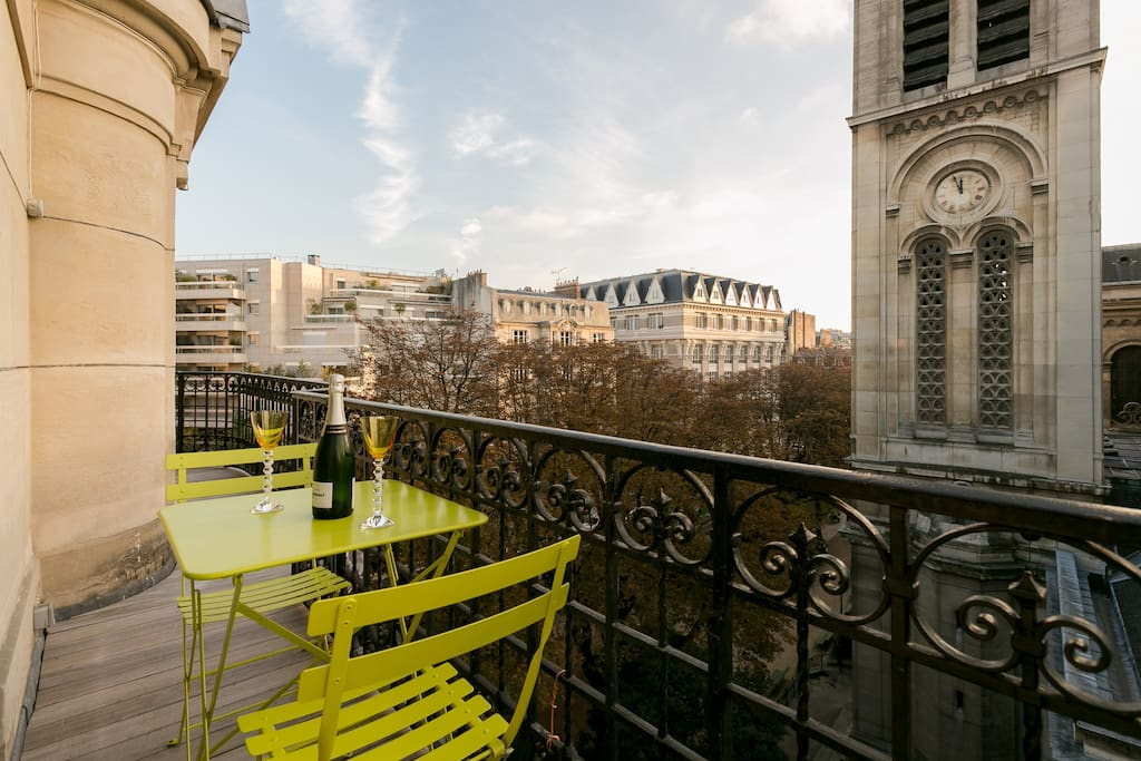Welcome home! Why don't you enjoy a bottle of champagne on the terrace?