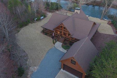 Cartecay River Dreams - Fabulous Log Home on River
