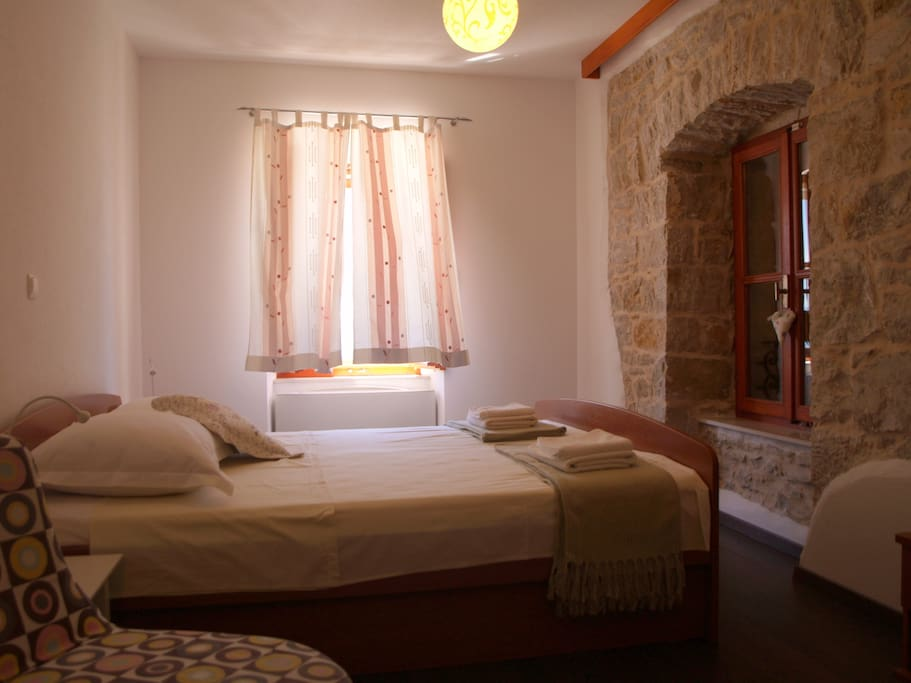 Oldhouse Tucepi double bed room