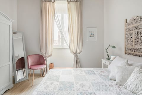 Stylish and Cozy Room in an Elegant Early 1900 Building