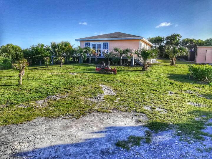 Cozy Cottage in Savannah Sound Eleuthera, Bahamas