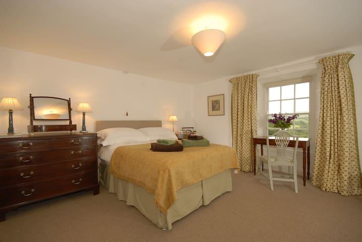 Spacious en-suite room in renovated farm house