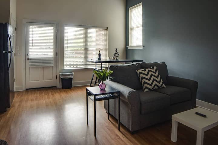 HIP 1BR APT IN TRENDY NODA NEIGHBORHOOD