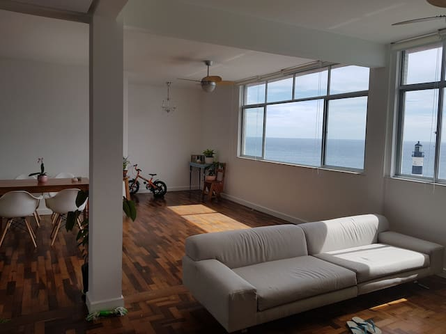 Great bedroom in front of 'Farol da Barra'