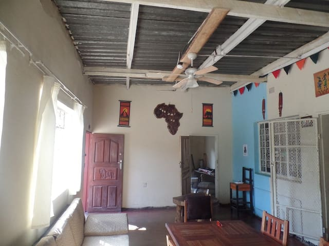 Ghana Motion Lodge in Kabwe Zambia - Kabwe - Hus
