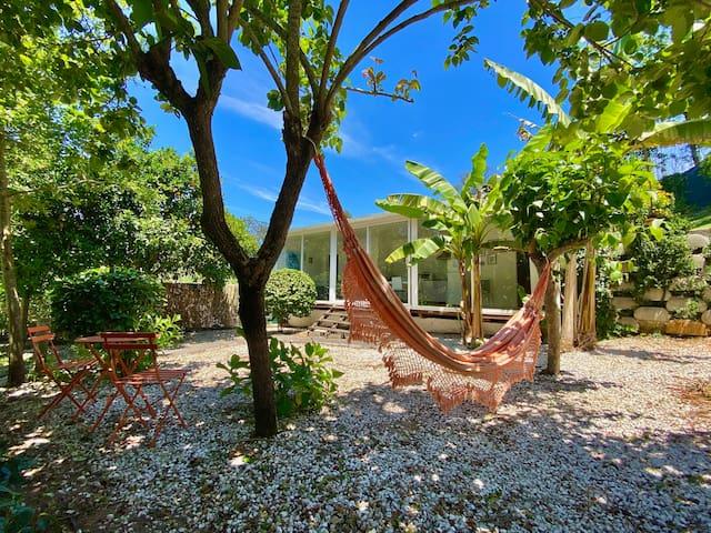 Casa do Fundo - The Backyard House