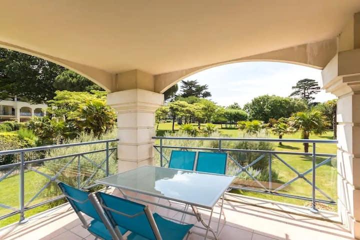 ROYAL PARK Bel appartement, terrasse, piscines