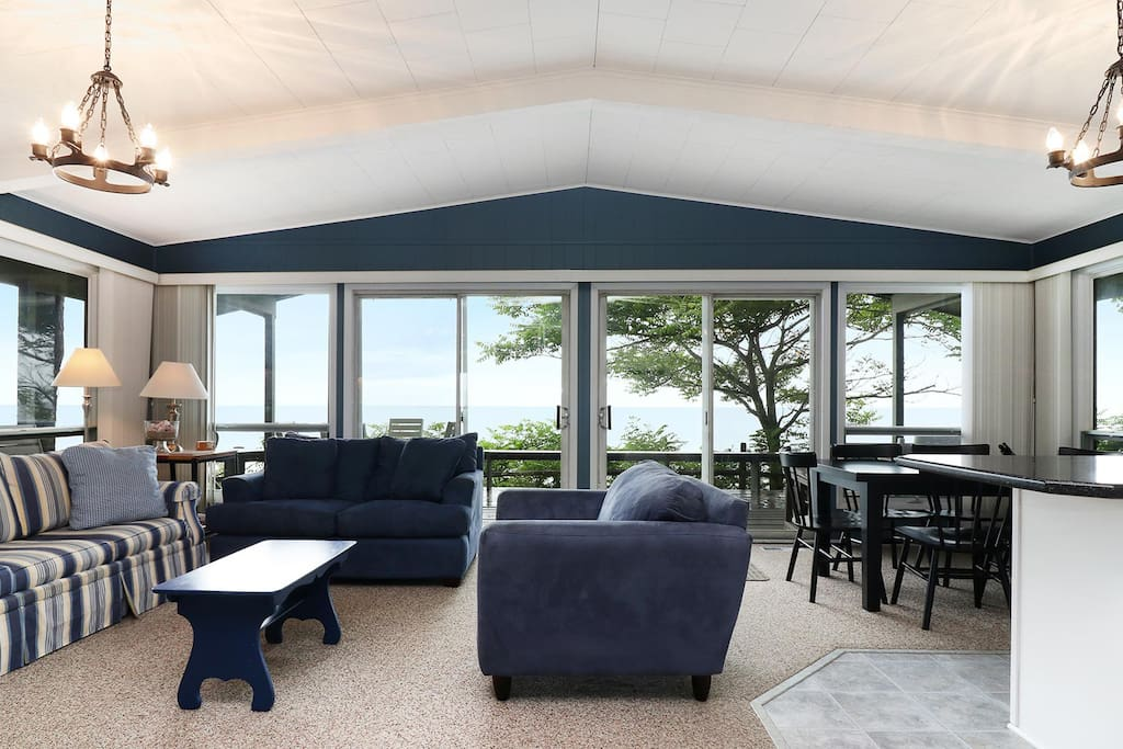 Bluffs Cove features stunning, uninhibited lake views.