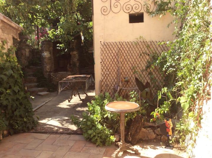 À Puisserguier au cœur du Languedoc