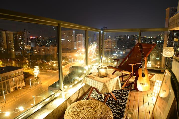 黄金地段 观景阳台 春熙路 新南门 左览IFS 右观锦江 成都房东 - Chengdu - Condominium